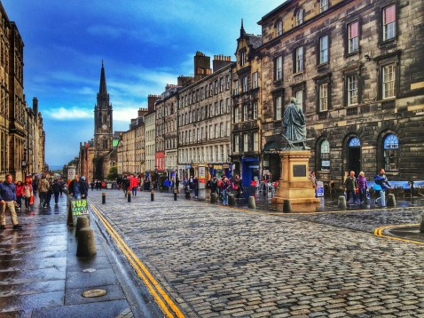 The Royal Mile - things to do in Edinburgh Scotland
